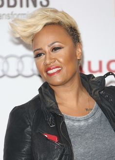 30 Chic, Gorgeous And Short Hairstyles To Inspire Your New Look - BuzzAura Short Hair With Bangs, Short Hair Cuts, Short Hair Styles, Platinum Hair Color, Emeli Sande, Celebs, Celebrities, New Look, Natural Hair Styles