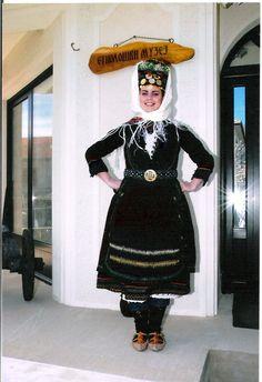 Women's dress of the Vlasi (Vlachs, Aromanians), northeastern Macedonia