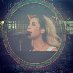Marina and the diamonds live in zh