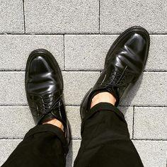2016/09/06 08:39:20 instarburstar 無骨かつ艶々が魅力のオールデン、コードバン 靴擦れ全くなしでスタートアップの履き心地 派手すぎず、地味すぎず、良いバランスのプレーントゥ #alden  #オールデン  #alden9901