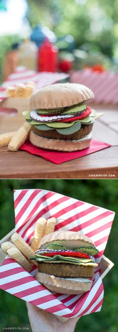 A DIY felt hamburger is a fantastic and mess-free toy for the kiddos! Diy Craft Projects, Sewing Projects, Diy For Kids, Crafts For Kids, Felt Food Patterns, Pretend Food, Pretend Play, Felt Play Food, Homemade Toys