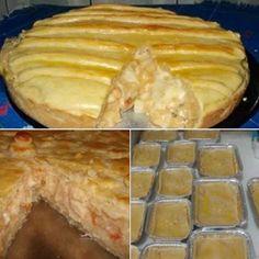 PARA A MASSA  - 750g farinha de trigo  - 250g margarina  - 1 caixa de creme de leite  - Gema para pincelar  -   - PARA O RECHEIO  - 1/2 cebola picada  - 1 tomate picado sem pele  - 1 dente de alho  - 1 colher de sopa de azeite  - 500g de palmito de pupunha picado  - 1 caixa de creme de leite  - Sal e pimenta a gosto
