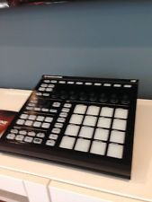 Native Instruments Maschine Mikro MK2 Groove Production Studio - Black READ! #kanyewest #kimk #kyliejenner #tyga #music #drake #lilwayne #future #father #ogmaco #youngthug