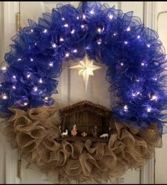 Over 30 of the BEST Christmas Wreath Ideas! These DIY Holiday Wreaths are easy to make and beautiful decorating ideas for you door! Crochet Christmas Wreath, Christmas Wreaths To Make, Christmas Ribbon, Noel Christmas, Holiday Wreaths, Christmas Projects, Holiday Crafts, Christmas Ornaments, Xmas