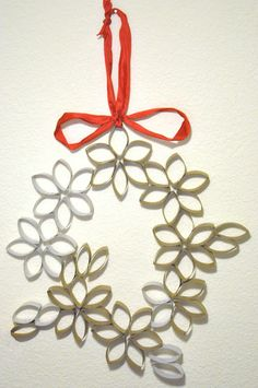 Darkroom and Dearly: {10th day of christmas: poinsettia wreath}  Made out of toilet paper rolls!