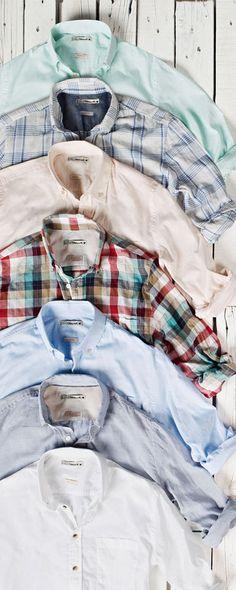 Camisas - ótima opção para usar sozinha ou como 3a peça combinada com uma camiseta - modelos lisos com cores neutras ou cor viva (sempre buscar por cores frias) ou estampadas (xadrez, listras ou estampa criativa)