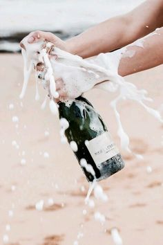 Cheers to Champagne. Cheers, Modern Hepburn, Silvester Party, A Little Party, In Vino Veritas, Summer Vibes, Weekend Vibes, Summer Beach, Summer Fun