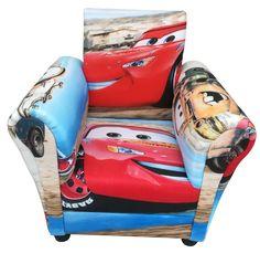 Ο Κεραυνός McQueen και οι φίλοι του σε μια μοναδική παιδική πολυθρόνα! Εξαιρετικό και απαλό ύφασμα απεικονίζει τις περιπέτειες της αυτοκινητοπαρέας! Mcqueen