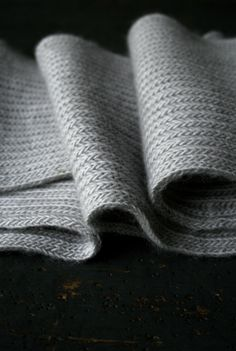 Laura's Loop: Brioche Scarf - The Purl Bee - Knitting Crochet Sewing Embroidery Crafts Patterns and Ideas!