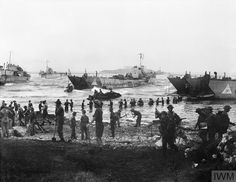 Troops from the British Infantry Division unloading stores from tank landing craft on the opening day of the invasion of Sicily, 10 July 1943 South East Europe, Vietnam, North African Campaign, D Day Normandy, Canadian Men, Landing Craft, Prisoners Of War, Military Photos, Photos Of The Week