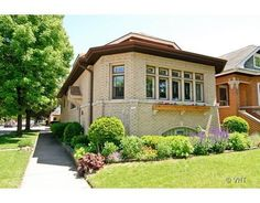 Classic side entrance octagon brick bungalow in Berwyn, Bungalow Landscaping, Chicago Landscape, Bungalow Homes, Chicago Style, Craftsman Bungalows, Craftsman Style, House Front, Victorian Homes, Architecture Details