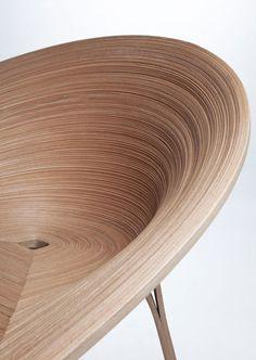 L'étudiant en design tchèque, Anna Stepankova, a créé la chaise « Tamashii ». Son inspiration pour la chaise « Tamashii » vient d'une technique de placage japonaise appelée Bunaco. Son but était de découvrir toutes les possibilités qu'offrent cette technique et d'appliquer la connaissance gagnée d'une façon novatrice.