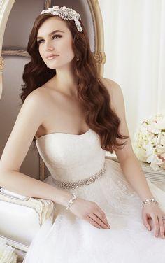 wedding-dress-essense-of-australia-spring-2015-D1649_main_zoom.jpg (660×1053)