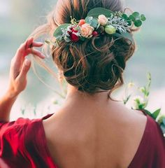 Wedding Hairstyles And Romantic Bridal Updos ❤︎ Wedding planning ideas & inspiration. Wedding dresses, decor, and lots more. Romantic Bridal Updos, Wedding Updo, Red Wedding, Perfect Wedding, Wedding Hairstyles, Fall Wedding, Wedding Bride, Elegant Wedding, Floral Wedding