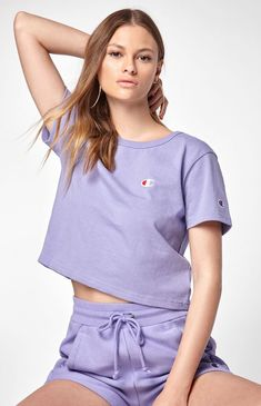 Champion Cropped T-Shirt - Purple Med Lazy Day Outfits, Cute Comfy Outfits, Sporty Outfits, Summer Outfits, Lavender Shirt, Champion Clothing, Cute Sleepwear, Purple T Shirts, Hoodie Outfit
