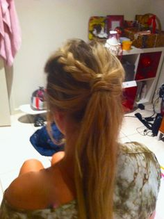 Simple up do :)