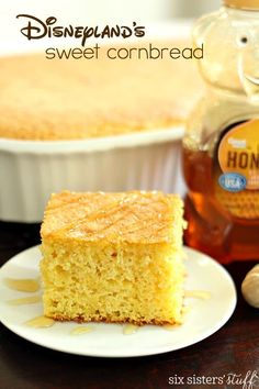 2 boxes Jiffy corn muffin mix + 1 yellow cake mix (add the ingredients required for both). Bake at 350 in oblong pan. Easy Cornbread Recipe, Cornbread Cake, Homemade Cornbread, Cornmeal Cornbread, Sweet Cornbread Muffins, Cornbread Casserole, Corn Muffins, Chicken Casserole, Disneyland