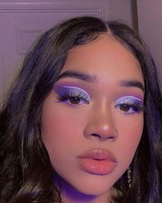 aesthetic makeup inspiration Inspiration: Special price - Learn how to make up professionally . Girls Makeup, Glam Makeup, Skin Makeup, Makeup Inspo, Eyeshadow Makeup, Makeup Inspiration, Neon Eyeshadow, Makeup Ideas, Eyeshadows