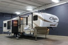 The New 2017 Keystone Cougar Xlite 29RES you're looking for is available for purchase at Terrytown RV Superstore today! Ask for VIN# 501781.