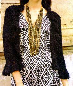 saquito de noche tejido en crochet  Con lúrex negro en punto básico y volado en cuello y mangas. Canchero y perfecto para combinar tus conjuntos de noche.