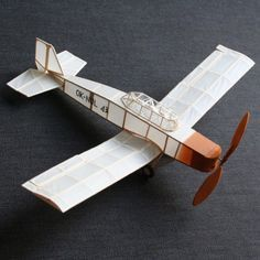 This one is really between art and aviation…my small flying model of Joost Conijn's OK NUL 43. #kinetic #sculpture flight #fly #air #airplane #art #aviation #engineering #balsa #wood #tissue #paper