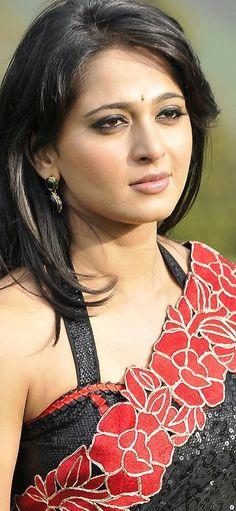Actress Anushka, Close Up, Saree, Actresses, Celebrities, Fashion, Female Actresses, Moda, Celebs