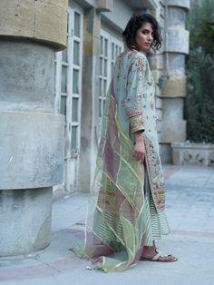 GAIA KURTI, INNERKALI & DUPATTA Pakistani Formal Dresses, Pakistani Outfits, Indian Dresses, Pakistani Couture, Pakistani Bridal, Indian Wedding Outfits, Indian Outfits, Wedding Dresses, Indian Designer Outfits