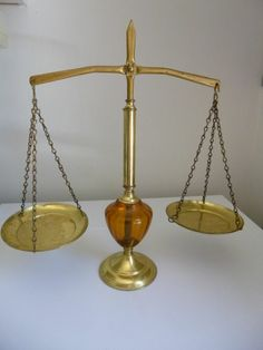 ANTIQUE/VINTAGE BRASS AND GLASS BALANCE SCALE (SCALES OF JUSTICE)