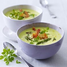 Grüner-Spargel-Cremesuppe mit Garnelen Rezept