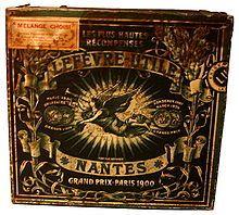 boîte en fer blanc contenant des biscuits LU de 1910