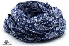 Loop Schal dunkelblau marine florales Muster von Lieblingsmanufaktur: Farbenfrohe Loop Schals, Tücher und mehr auf DaWanda.com
