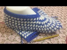 İki şişli kolay patik - YouTube Baby Knitting, Crochet Baby, Knit Crochet, Baby Patterns, Knitting Patterns, Crochet Patterns, Knitted Baby Clothes, Knitted Slippers, Slouchy Hat