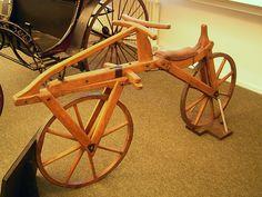 Branches Handlebars: Ancient Wooden Bikes