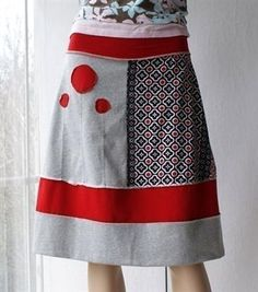 Great geometric layout, contrast, and repetition in the pieced fabrics! patchwork skirt for folk, lagenlook days around the house and garden or crafty creative alices with a love of scandi chic Diy Clothing, Sewing Clothes, Diy Fashion, Ideias Fashion, Diy Kleidung, Altering Clothes, Recycled Fashion, Cotton Skirt, Dressmaking