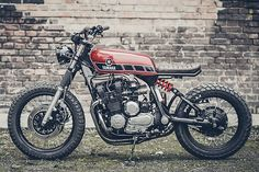 Much of the criticism levelled at this new generation of custom bikes concerns usability. Whether it be fenders, suspension travel or comfort, the main undercurrent to the comments is that the bikes just aren't functional in the real world. But if there's anyone who really cares about how their equipment works, it's a soldier. Hammered with rules about unwavering trust from day one,...