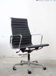 Charles & Ray Eames Alu Chair EA 119 für ICF/Herman Miller