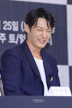 Choi Jin Hyuk, Sexy Men, Sexy Guys, Kdrama, Art Hacks, Prince, Photoshoot, Actors, Celebrities