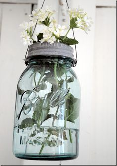 BLUE TINTED HANGING MASON JAR VASE WITH LID