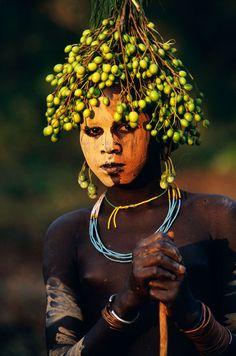 Atuendos tribales de Etiopia © Hans Silvester