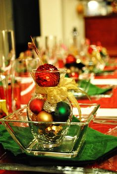 Christmas table setting beautiful red green and gold & Christmas Table Setting :) Dishes are Lenox Winter Greetings ...