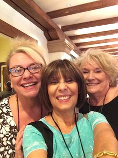 Rebeca Nesselrode, Unrave lTravel TV with Mona Hayden, @LARoadTripsmag and Ginger Bowling at @TMShowcase 2014