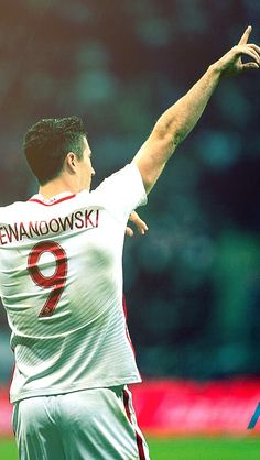 Lewandowski Fc Hollywood, Bong, Football Posters, Robert Lewandowski, Soccer Stuff, Plein Air, Messi, Rugby, Superstar