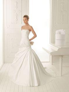 A-ligne sans bretelles robe de mariée en satin