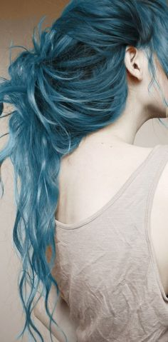 Reminds me of my Lagoon Blue Manic Panic hair in tenth grade