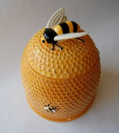Bee Hive Cookie Jar It's sold out but, I can make it. Just watch me.