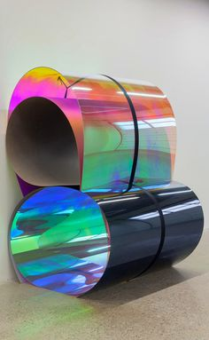 Sculptures of plexiglas by Julia Dault, magical reflections of colours #plexiglas #colours #reflection