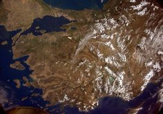 02/06/2015 - Sam,anta Cristoforetti - Hallo #Turkey! A beautiful pass over the Western part of the country.