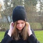 beanies by lintschi-strick.com Pop Songs, Knitted Bags, Beanies, Vienna, Knit Crochet, Shoulder Bag, Knitting, Hats, Fashion