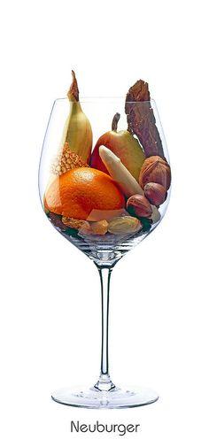 NEUBURGER  Orange, pear (ripe), asparagus, walnut, hazelnut, tobacco, honey, banana, raisin