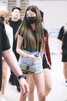 Fashion Idol, Fashion Tag, Kpop Fashion, Daily Fashion, Korean Fashion, Girl Fashion, Airport Fashion, Shorts Outfits Women, Short Outfits